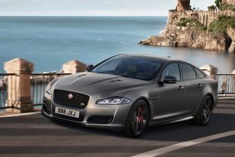 Sose halunk meg: 575 lóerő a Jaguar XJ-ben