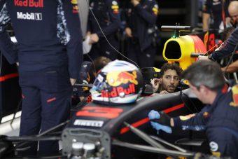 F1: Újabb büntetés Ricciardónak