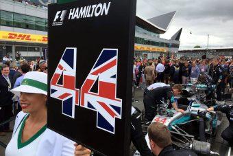 F1: A Ferrari elhasalt, ötödszörre is Hamiltoné a Brit Nagydíj