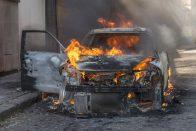 Amíg nem gyullad ki az autód, addig nem tudod, mennyire fontos egy tűzoltókészülék