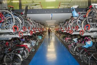 A világ legnagyobb bicikliparkolója épült Hollandiában