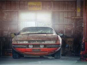 Egy elhagyott garázsban pihent ez a brutálisan ritka Ferrari