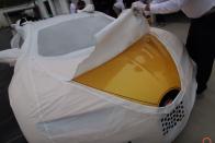 Állati jó videón az első amerikai Bugatti Chiron kicsomagolása