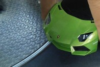 Valaki felszállt egy Lamborghinivel a négyeshatosra