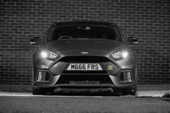 400 lóerős gyári tuning a Ford Focus RS-hez