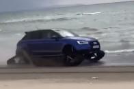 Menő strandautó a lánctalpas Audi S1