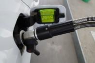 Sok pénzt kapunk az EU-tól alternatív tankolásra