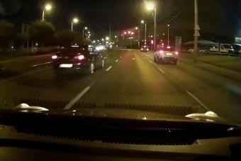 Úgy hajtott át két piroson is a pesti autós, mintha nem lenne holnap