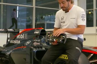 Alonso elárulja az F1-es kormány összes titkát