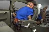 Így ölheted meg a sofőrt a hátsó ülésről