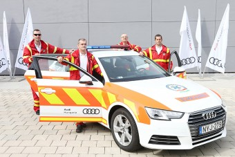 Audit kaptak ajándékba a győri mentősök