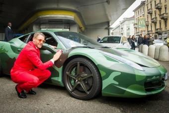 Elárverezték a botrányos Fiat-örökös egyedi Ferrariját