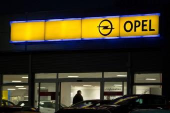 Megmarad az Opel magyar gyára