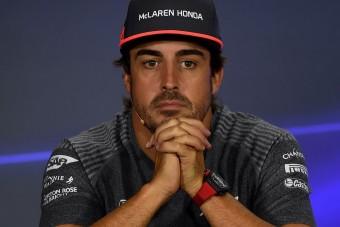 F1: Alonso tombolt a szingapúri kiesés után