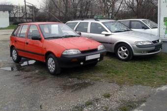 Leharcolt külföldi kocsikkal járnak a magyarok