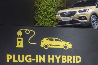 Hibrid szabadidő-autót készít az Opel