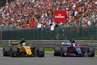 F1: Meglepetés, pilótacsere a következő futamra
