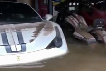 Ferrarik pusztultak el a texasi ítéletidőben