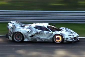 A legújabb Ferrari mindent visz, mindent!