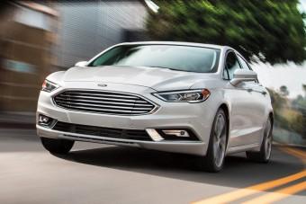 Visszavesz a személyautó-termelésből a Ford