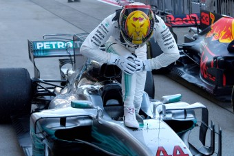 F1: A lehűlő gumi okozott gondot Hamiltonnak, a