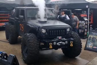 Eszement őrület a gőzgéppé alakított Jeep