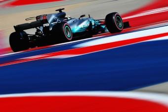 F1: Vettel Hamilton nyakán az időmérő előtt