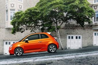 Hihetetlen összeget veszít minden eladott elektromos 500-ason a Fiat