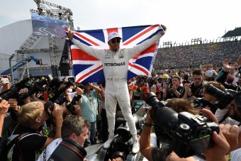F1: Hamilton nyolcszoros bajnok lesz?