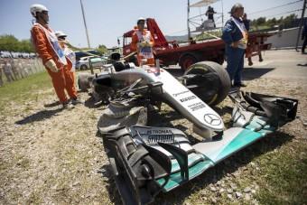 F1: Lauda kiteregette a szennyest Hamiltonról - videó