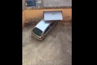Zsigerig hatoló fájdalom, amikor meghallod, hogy áll ki ez az autós a kapun