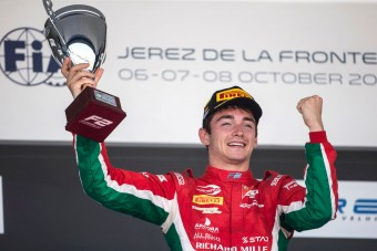 F1: Bajnokkal gazdagodott a Ferrari és a Mercedes