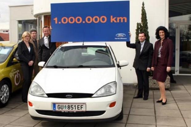 Ebbe az 1999-es Ford Focus-ba 12 év alatt tekerték bele az 1 millió kilométert. Az 1,8-as dízelmotor bontatlan, csupán egy kuplungszettet cseréltek.