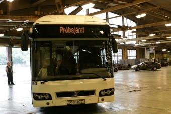 Kiszervezi a buszok karbantartását a BKV