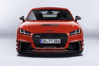 Dögös ruhát kapott a magyar Audi