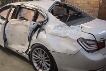 Menthetetlen 7-es BMW-t épített újjá az orosz mester