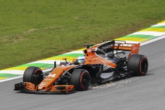 F1: Vétózott a McLaren, nem kérnek a cápauszonyokból