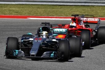 F1: Hamilton beégette Vettelt
