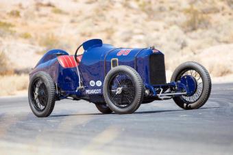 2 milliárdot adtak ezért a legendás Peugeot versenyautóért