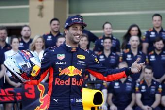 F1: Ricciardo a Mercinek és a Ferrarinak üzent