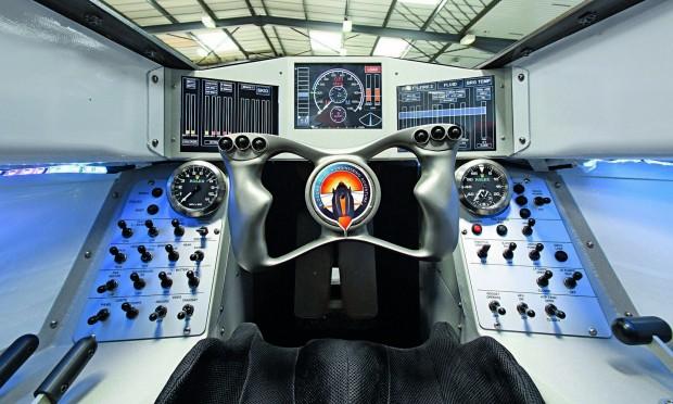 A Bloodhound SSC-ben gyorsításkot 2g, fékezéskor -3g nehézségi gyorsulás lép fel