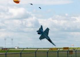 Törés-zúzás a repülőnapokon – videó