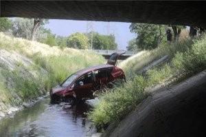 A nap képe - Patakba esett az autó