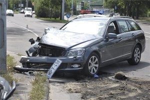 A nap képe – autó és motor ütközött