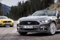 Felöltözve szexisebb az új Mustang