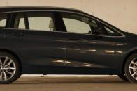 Hétszemélyes BMW egyterű; beleborzongok, ahogy ezt leírom