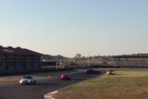 Gyári pilóták törtek össze két méregdrága Mercedest