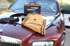 10 dolog, ami emberiség elleni bűntett egy Rolls-Royce-ban