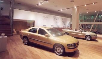 Forradalom Volvo-módra
