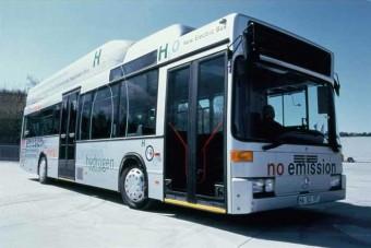 Elkelt az első üzemanyagcellás busz